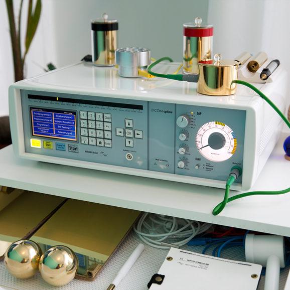Praktijk Calis gebruikt Biocom 2000 professionele apparatuur voor bioresonantie therapie